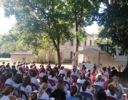 Renouvellement de la consécration au Sacré Coeur du collège.